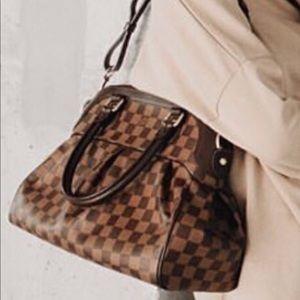 💎✨MINT✨💎Celebrity Louis Vuitton Damier E…
